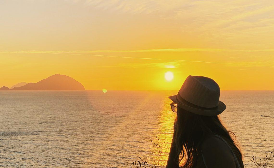 Cosa vedere a Salina: tramonto a Pollara
